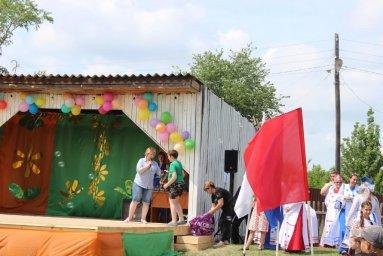 Вручение призов участникам конкурса рисунков от Купреевой И.Ю